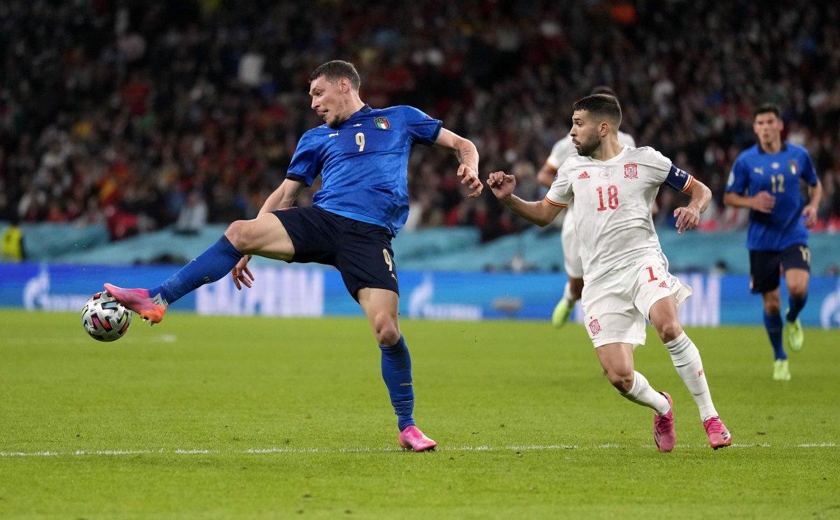 EURO 2020 de İspanya yı penaltılarda eleyen İtalya finalde #4