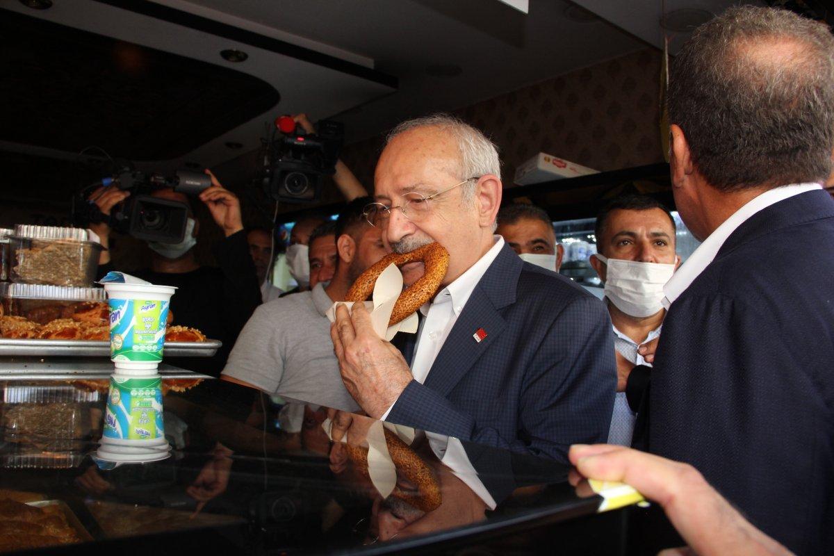 Kemal Kılıçdaroğlu, simit ikramına kendi esprisiyle yanıt verdi #1