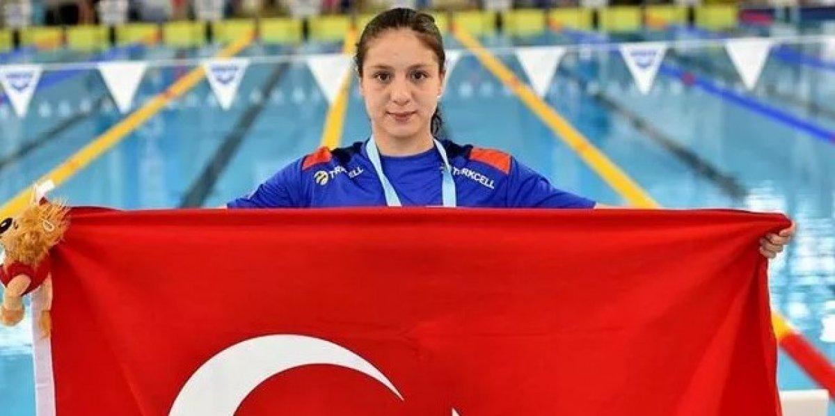 Milli yüzücü Merve Tuncel, gençlerde Avrupa şampiyonu oldu #2