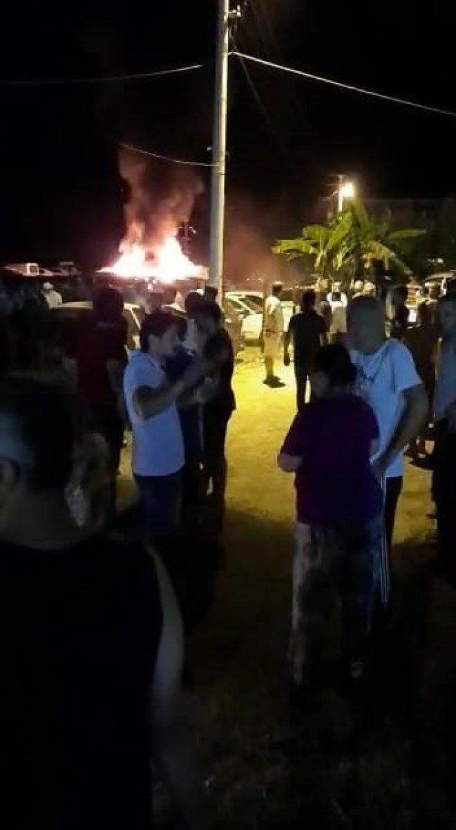 Mersin de otoparkta çıkan yangında 12 araç kül oldu #4