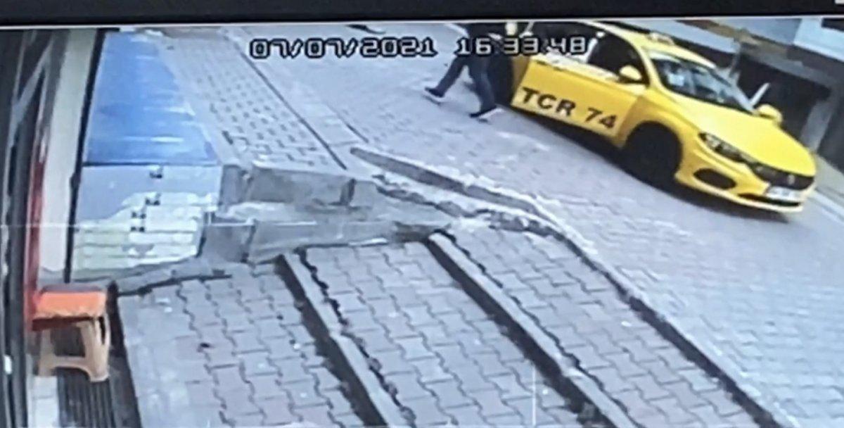 Kağıthane de taksicinin ezdiği çocuk yaşamını yitirdi #2