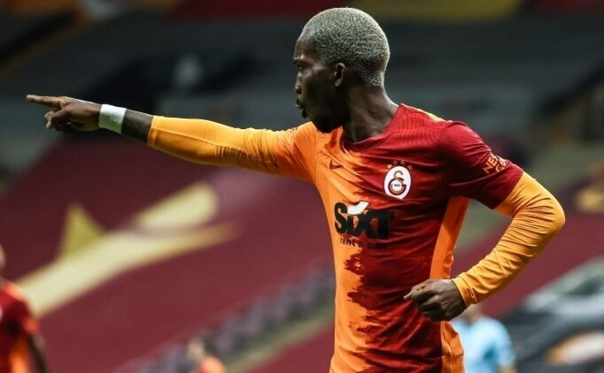Onyekuru Galatasaray a veda etti #1