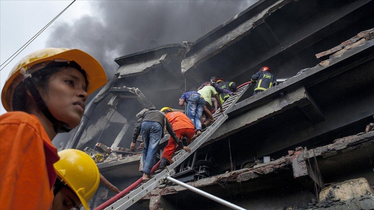 Bangladeş te gıda fabrikasında yangın: Çok sayıda ölü var #1