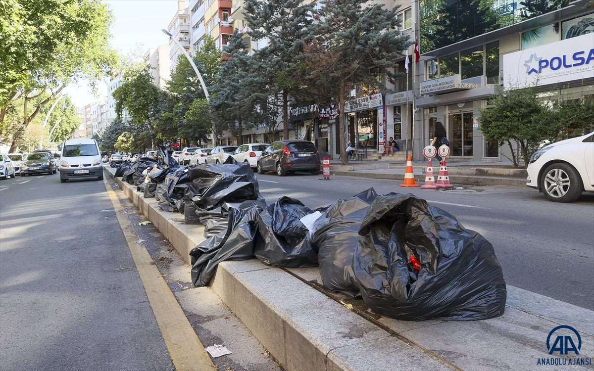 Ankara Çankaya da çöp krizi #2