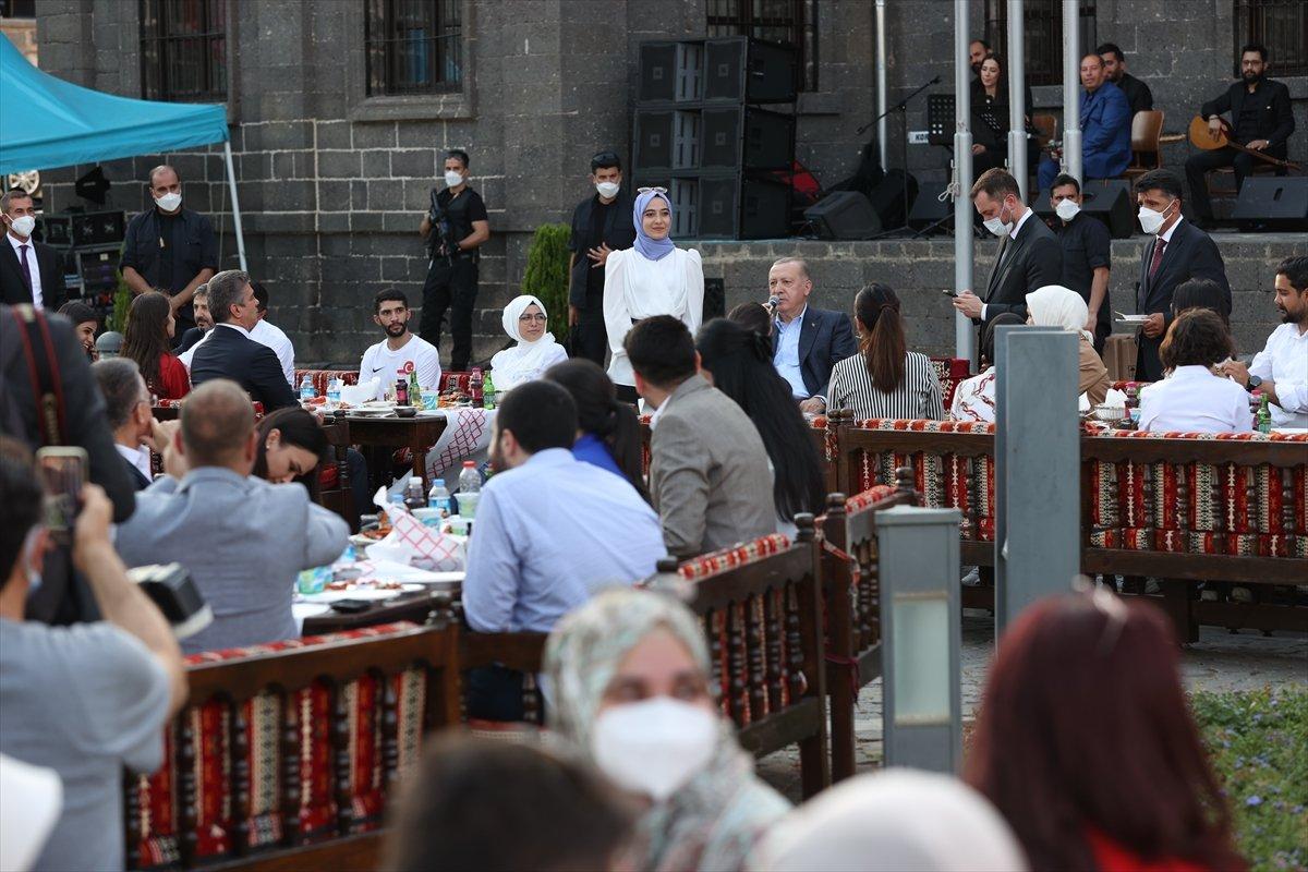 Cumhurbaşkanı Erdoğan, Gönül Dağı türküsünü söyledi #2