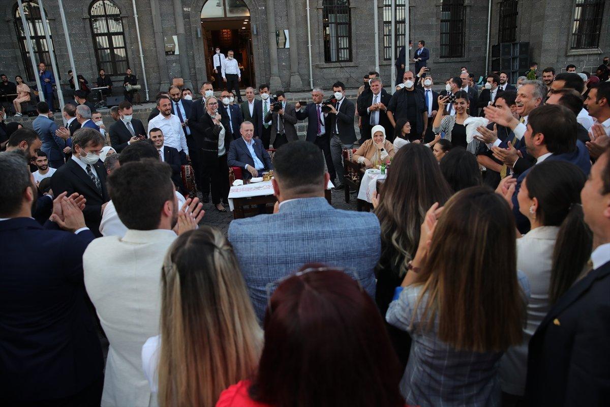 Cumhurbaşkanı Erdoğan, Gönül Dağı türküsünü söyledi #3
