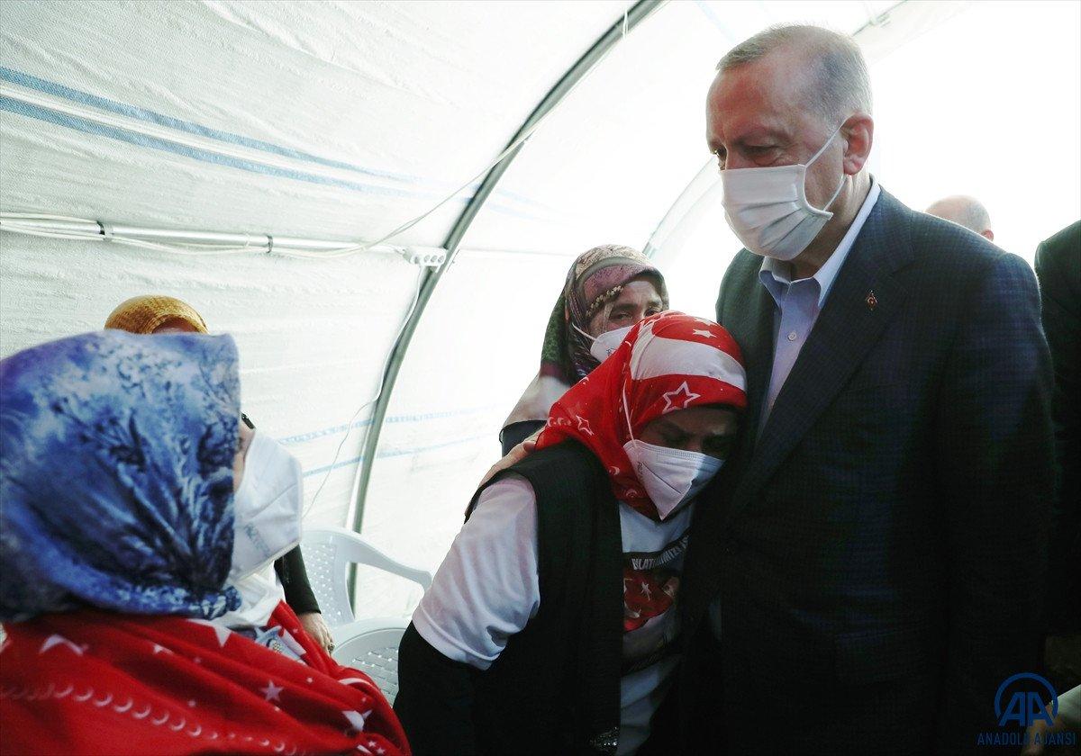 Cumhurbaşkanı Erdoğan, Diyarbakır anneleri ile bir araya geldi #7