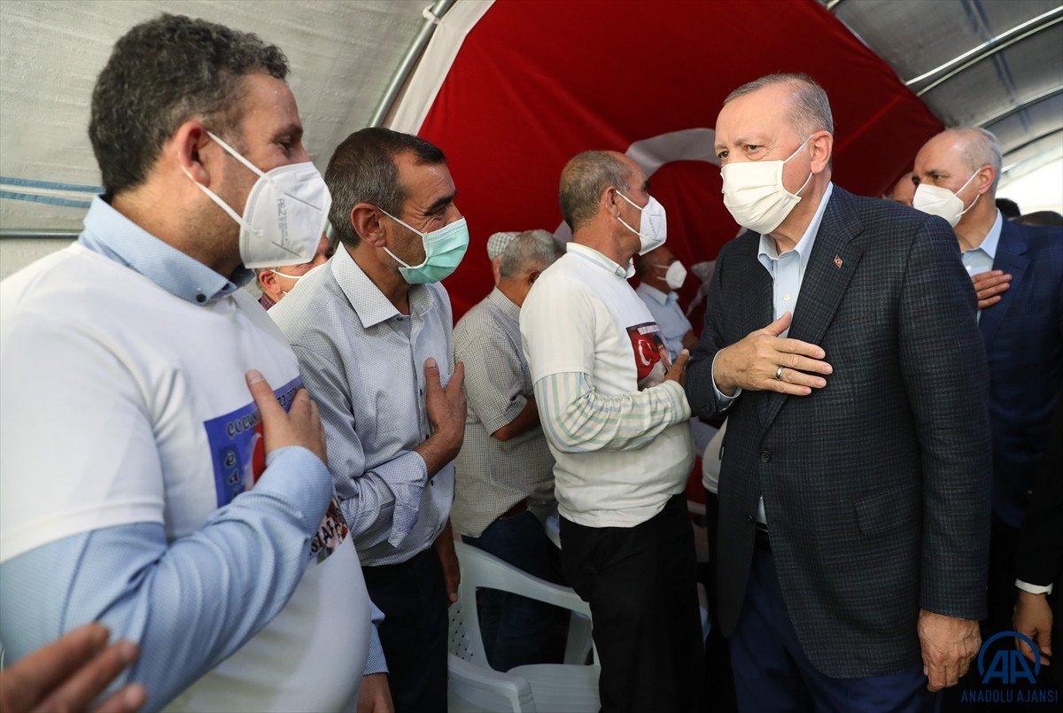 Cumhurbaşkanı Erdoğan, Diyarbakır anneleri ile bir araya geldi #11