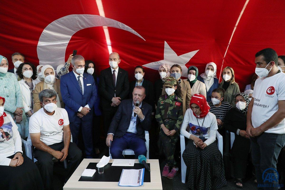 Cumhurbaşkanı Erdoğan, Diyarbakır anneleri ile bir araya geldi #4
