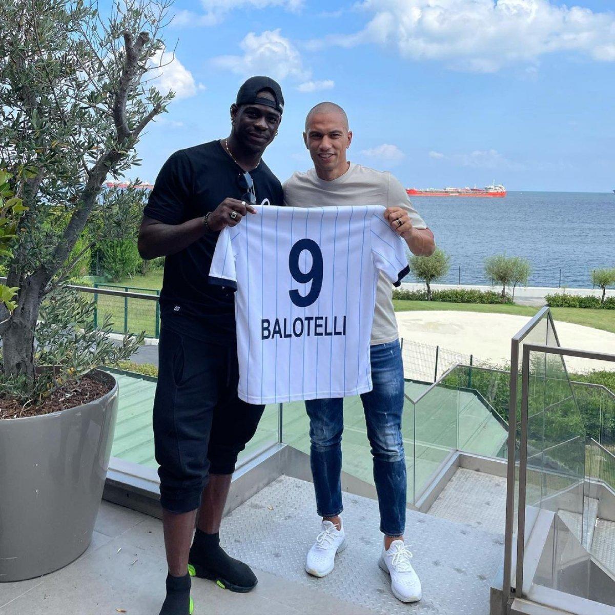 Balotelli den  semt oturuşu  #1