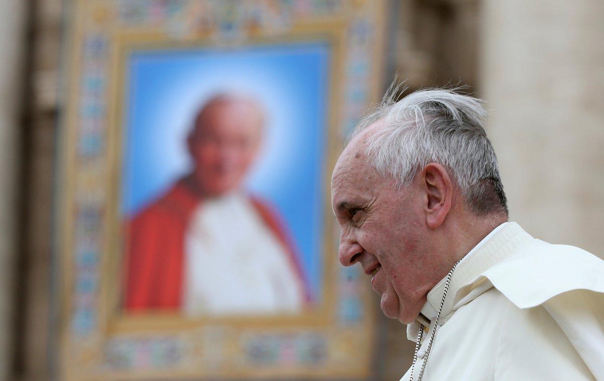 Papa Francis, pazar ayinine hastaneden katılacak #1