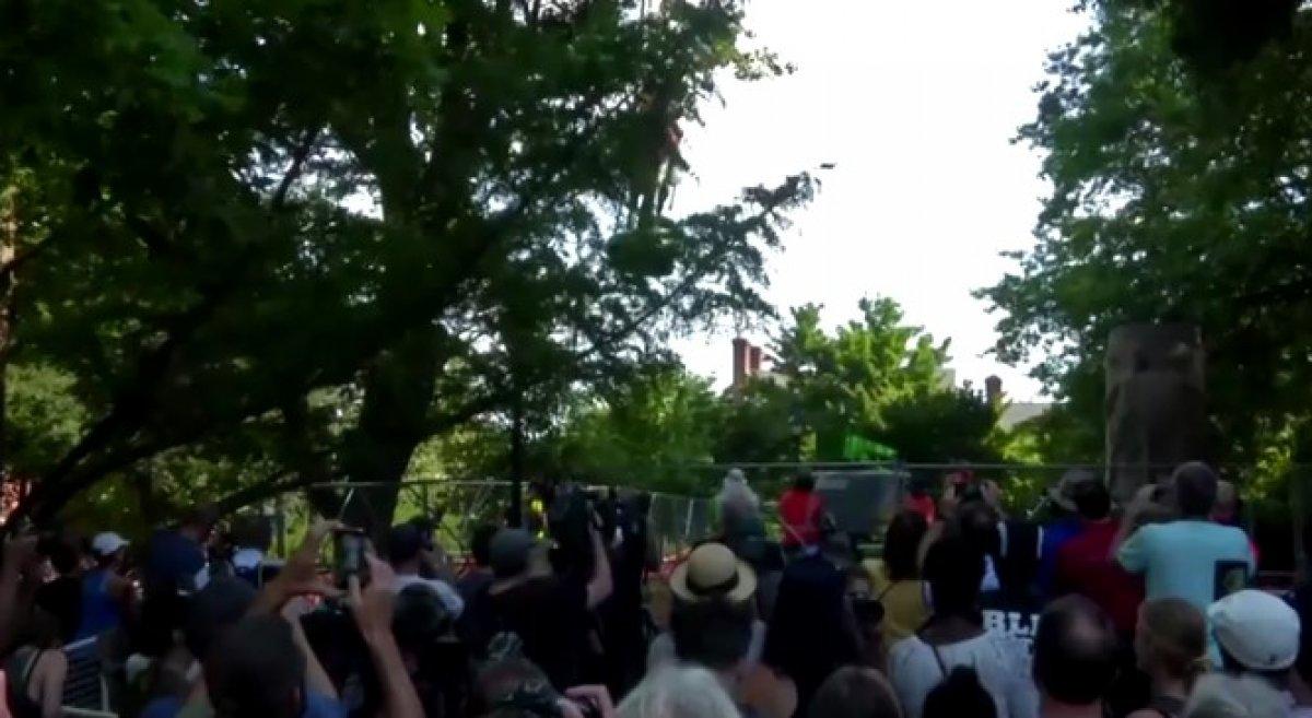 ABD'de ırkçılık karşıtı gösterilerin hedefi olan generallerin heykelleri kaldırıldı #3