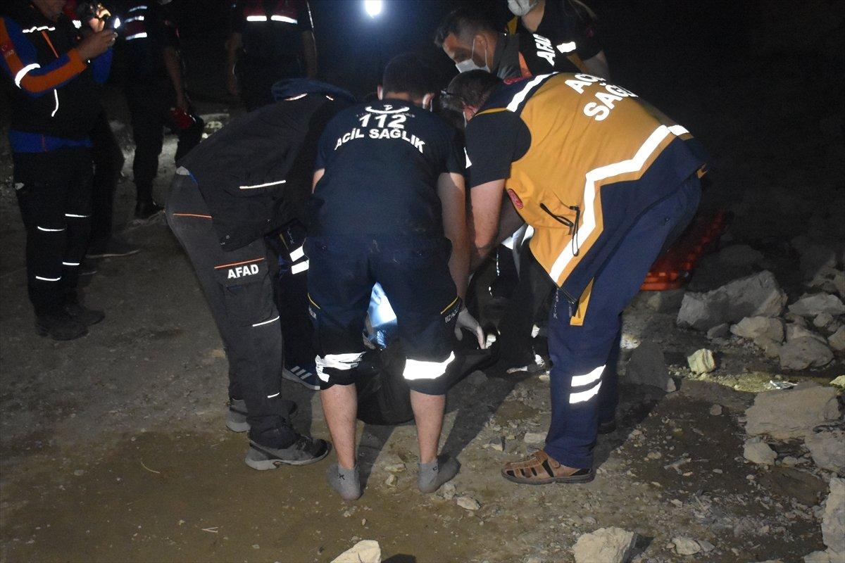 Afyonkarahisar da baraj göletinde kaybolan çocuk ile amcasının cesedi bulundu #6