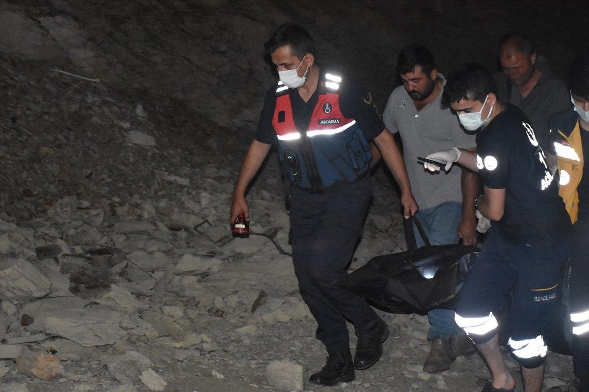 Afyonkarahisar da baraj göletinde kaybolan çocuk ile amcasının cesedi bulundu #8