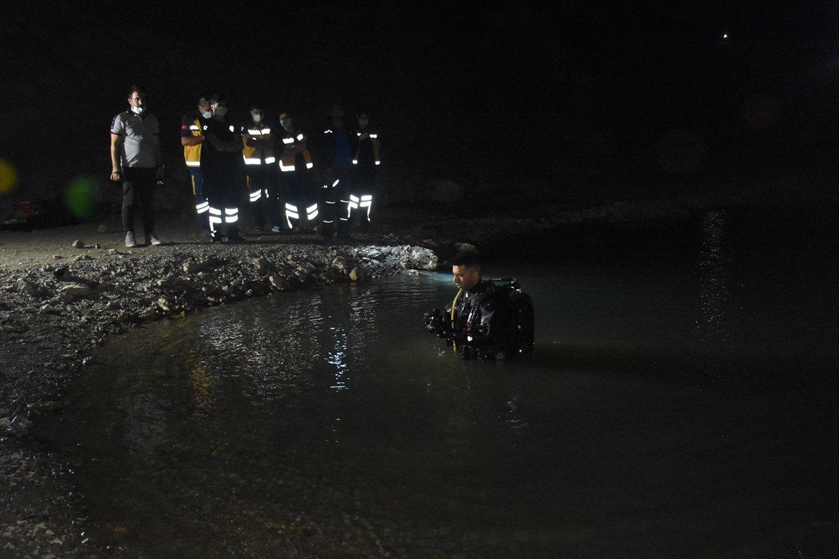 Afyonkarahisar da baraj göletinde kaybolan çocuk ile amcasının cesedi bulundu #7