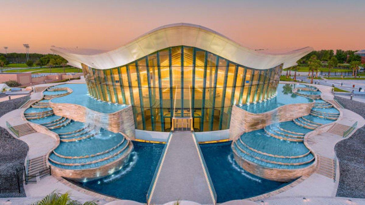 Dubai de dünyanın en derin havuzu açıldı #1