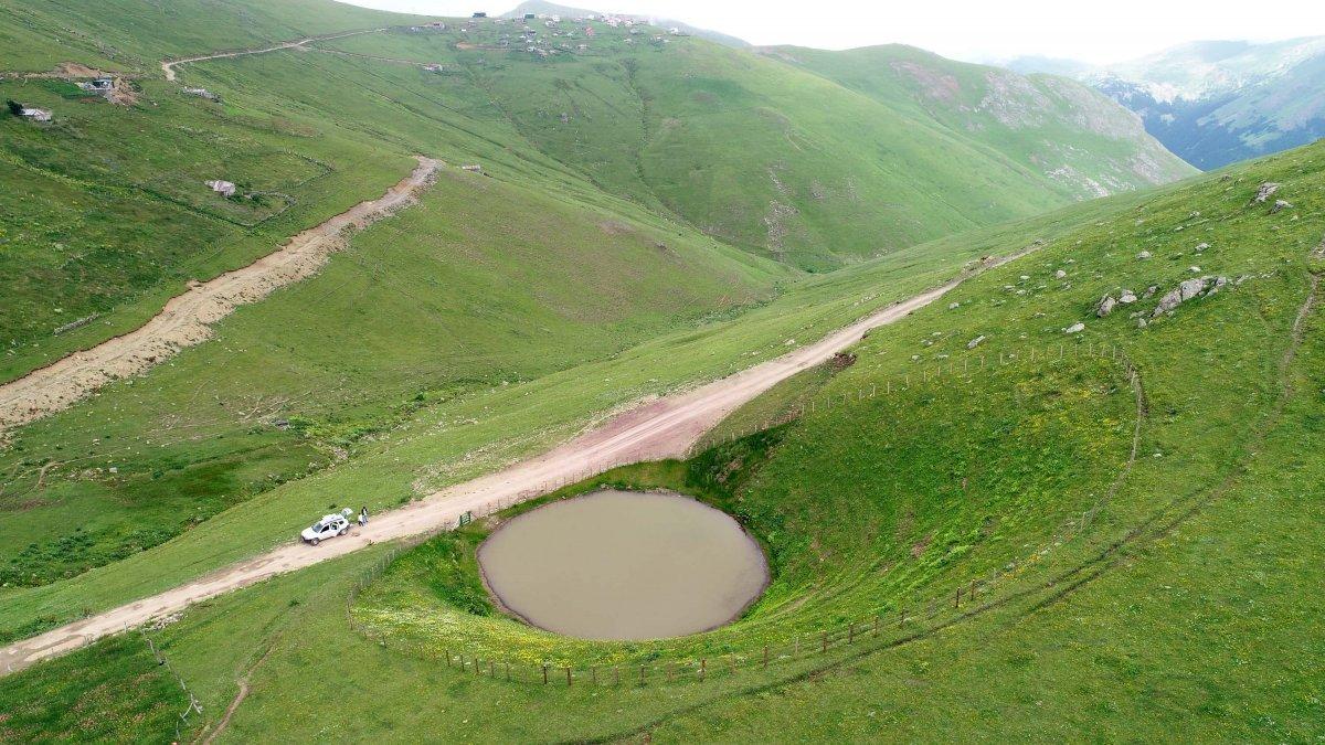 Gümüşhane deki Dipsiz Göl, eski görünümüne kavuşamadı #3