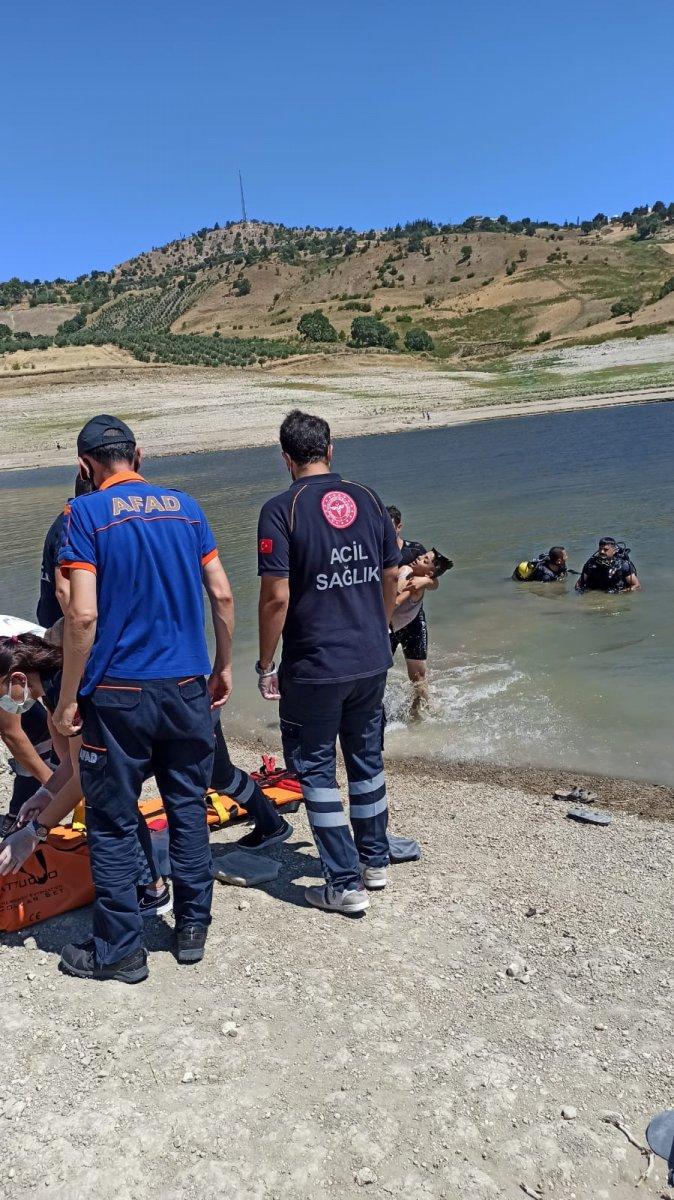 Kahramanmaraş ta göle düşen baba ve oğlu boğuldu  #2