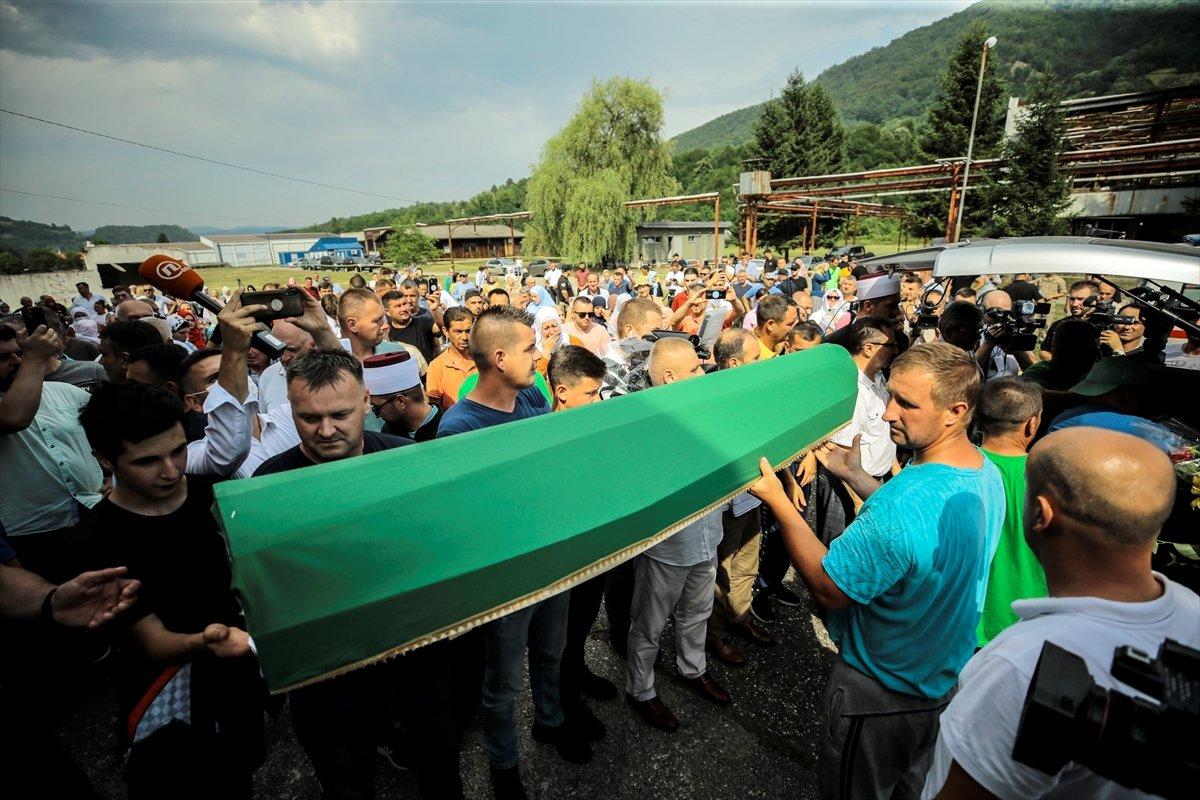 Srebrenitsa da soykırım kurbanı 19 kişi daha defin için hazırlandı #8