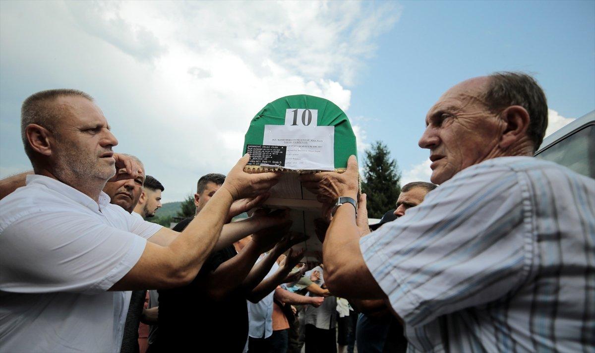 Srebrenitsa da soykırım kurbanı 19 kişi daha defin için hazırlandı #2