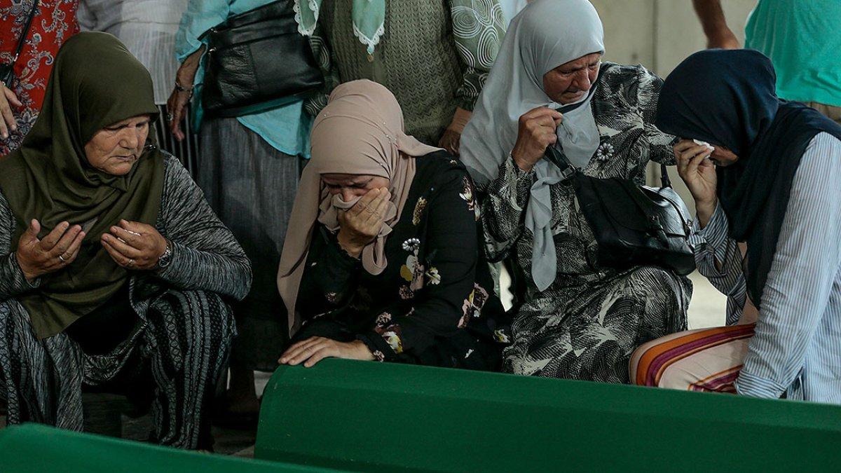 Srebrenitsa da soykırım kurbanı 19 kişi daha defin için hazırlandı #15