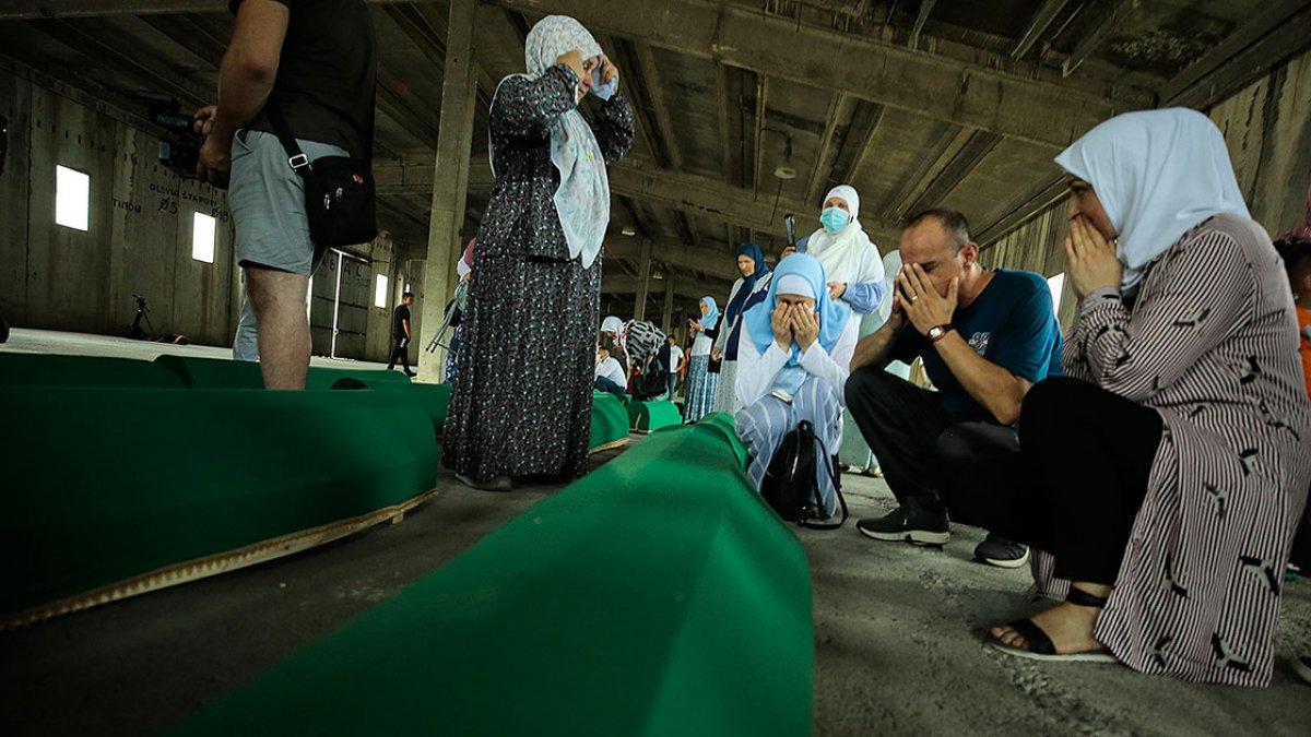 Srebrenitsa da soykırım kurbanı 19 kişi daha defin için hazırlandı #16
