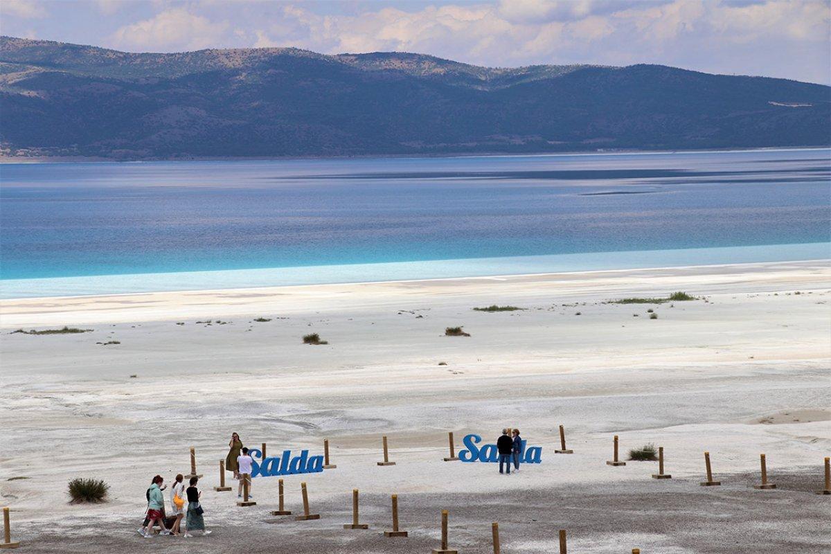 Salda Gölü ndeki Beyaz Adalar, doğal görünümüne kavuştu #1
