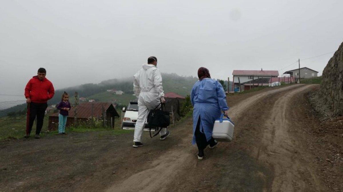 Karadeniz de aşı mesaisi: Sağlık çalışanları 1800 metreye çıktı  #5