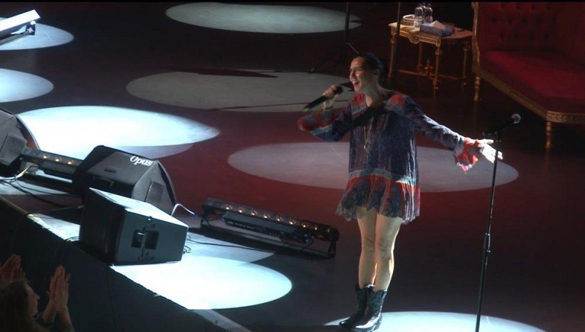 İstanbul'da normalleşme ile ilk konserde Yıldız Tilbe sahne aldı #3