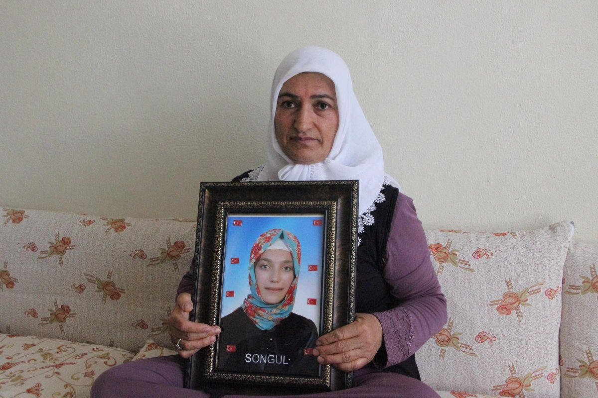 Diyarbakır annesi Fatma Akkuş: Mutlu haberi Cumhurbaşkanı Erdoğan dan aldım #3