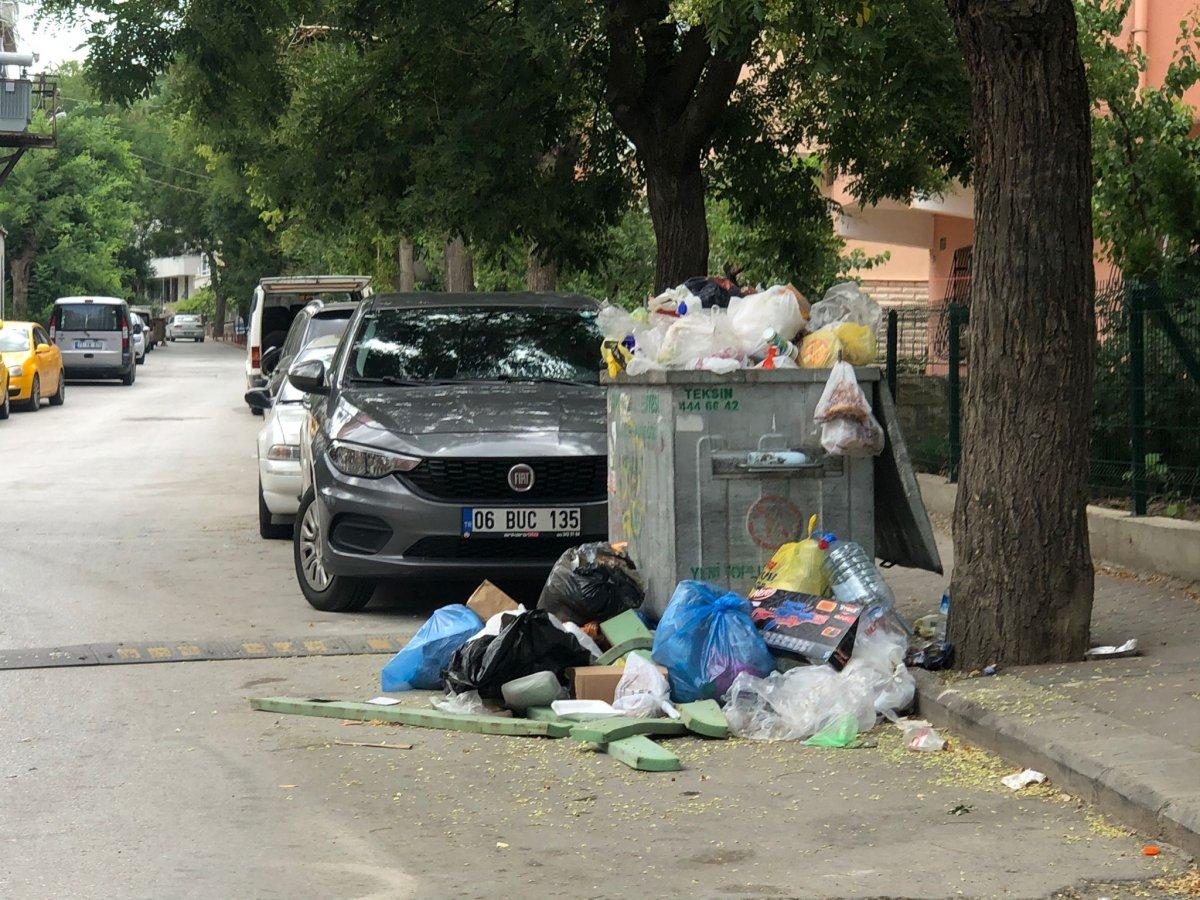 Çankaya da sokaklar çöp yığınlarıyla doldu #2