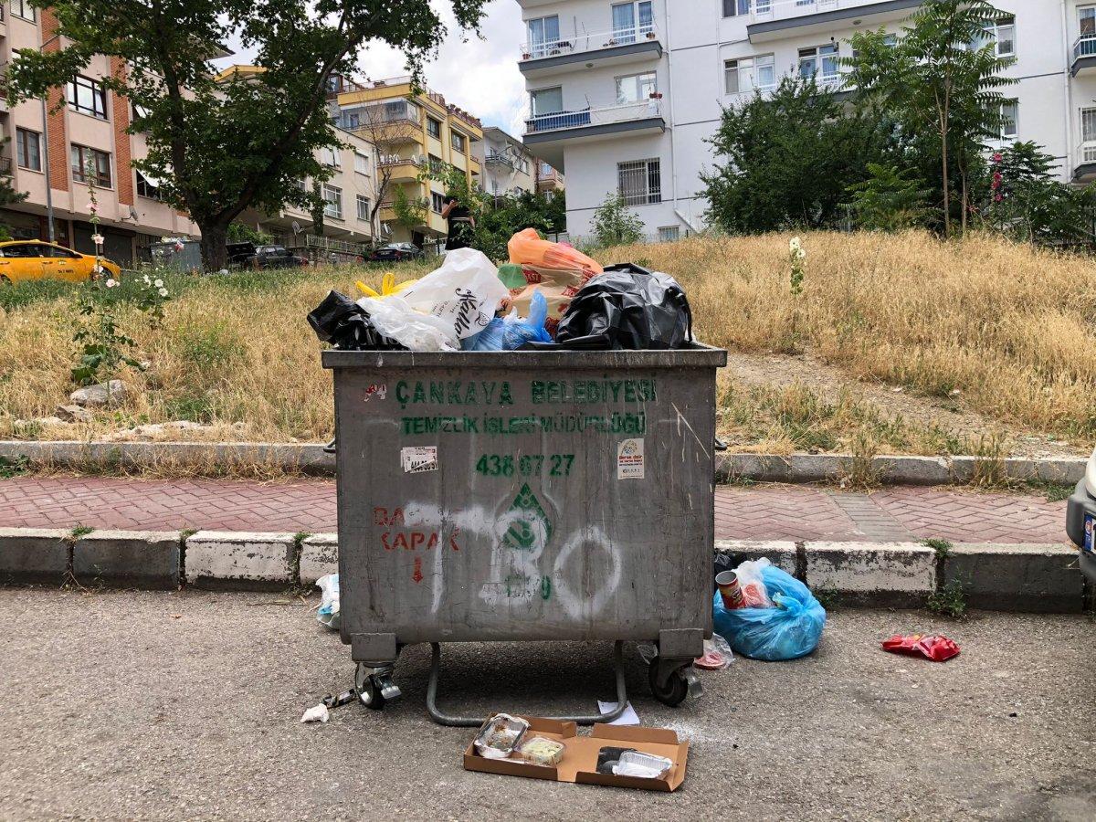 Çankaya da sokaklar çöp yığınlarıyla doldu #12