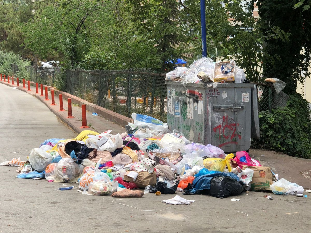Çankaya da sokaklar çöp yığınlarıyla doldu #11