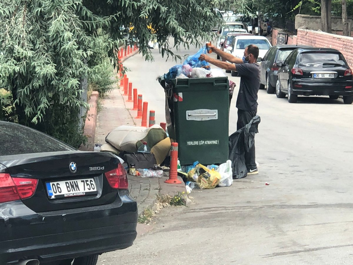 Çankaya da sokaklar çöp yığınlarıyla doldu #8