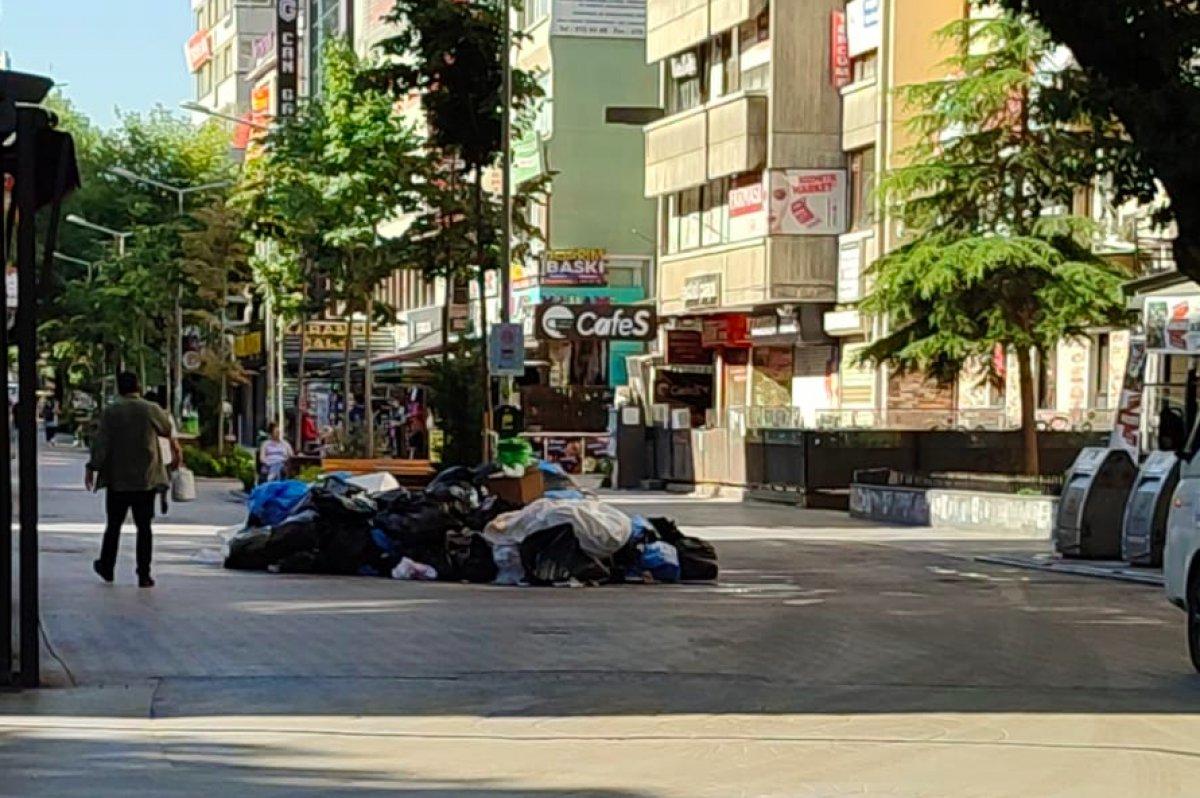 Çankaya da sokaklar çöp yığınlarıyla doldu #9