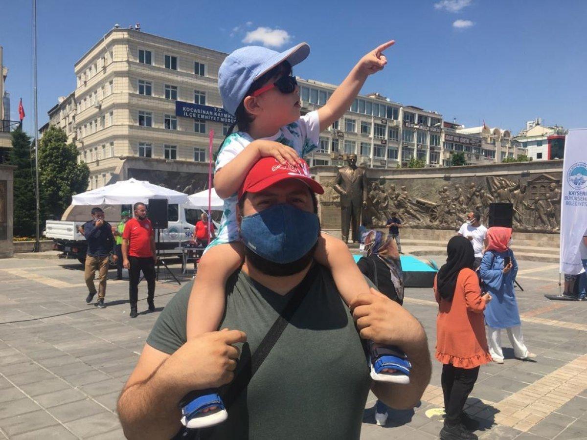 Türk Yıldızları ndan Kayseri de gösteri uçuşu #7