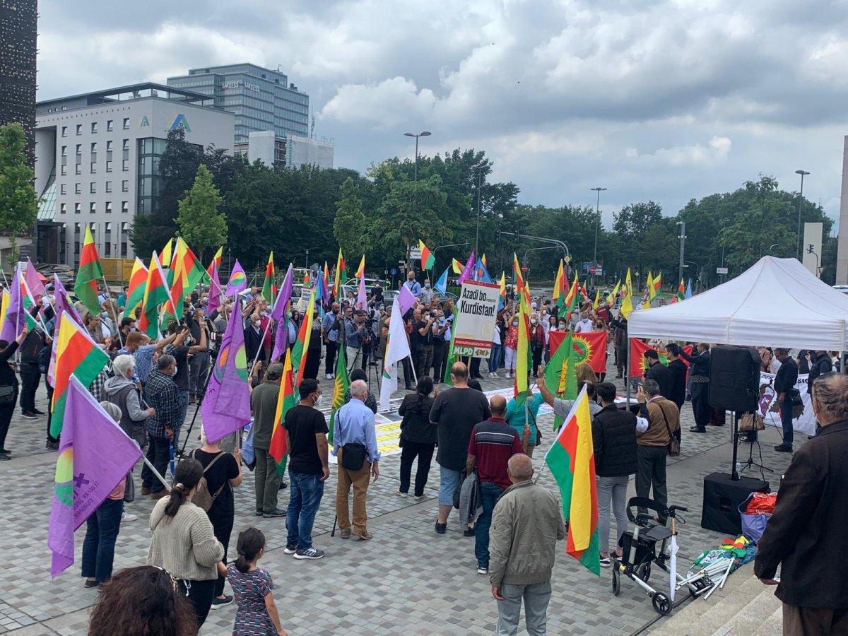 Almanya da PKK destekçileri Alman polisini protesto etti #2