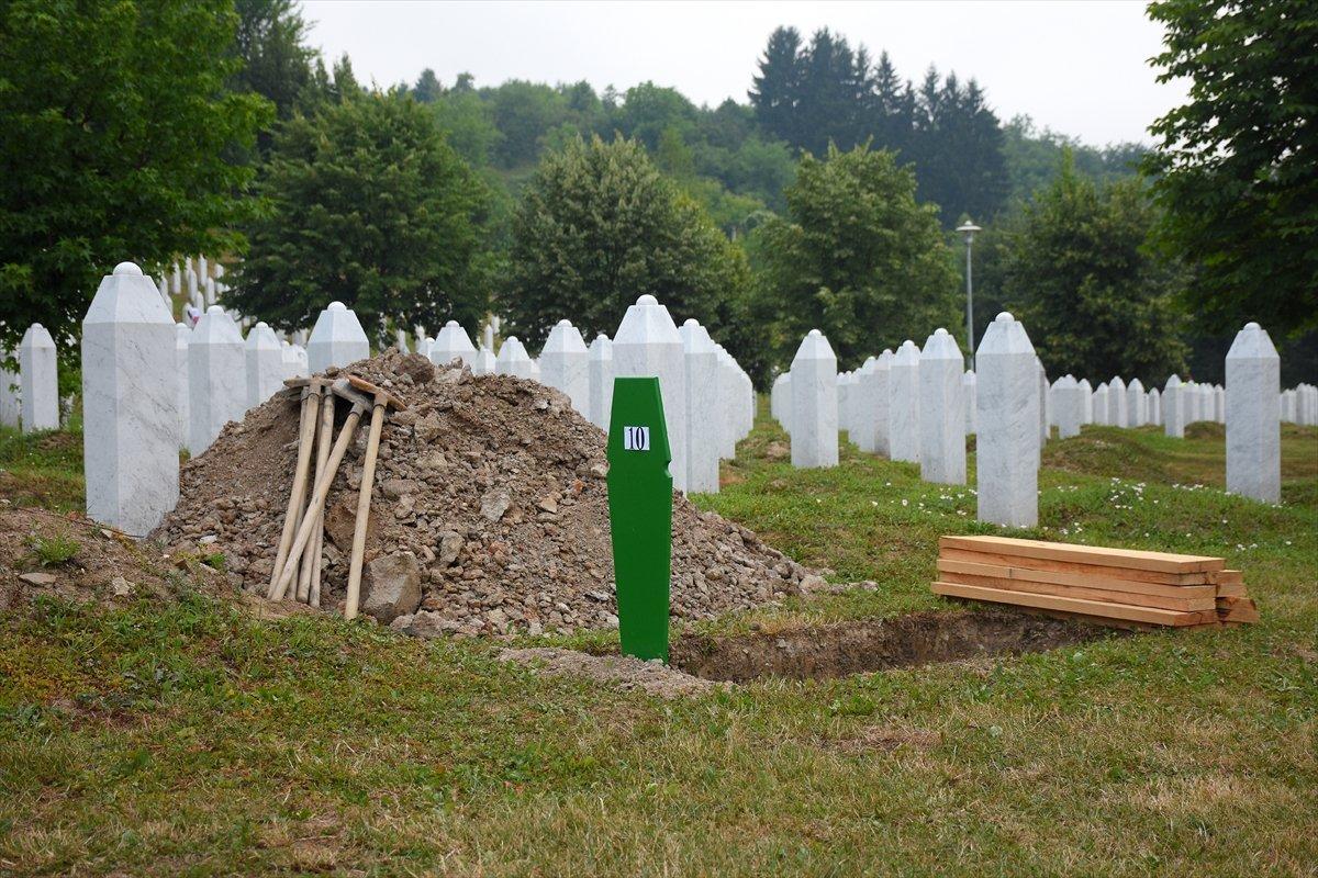 Srebrenitsa da 19 soykırım kurbanı daha defnedildi #3