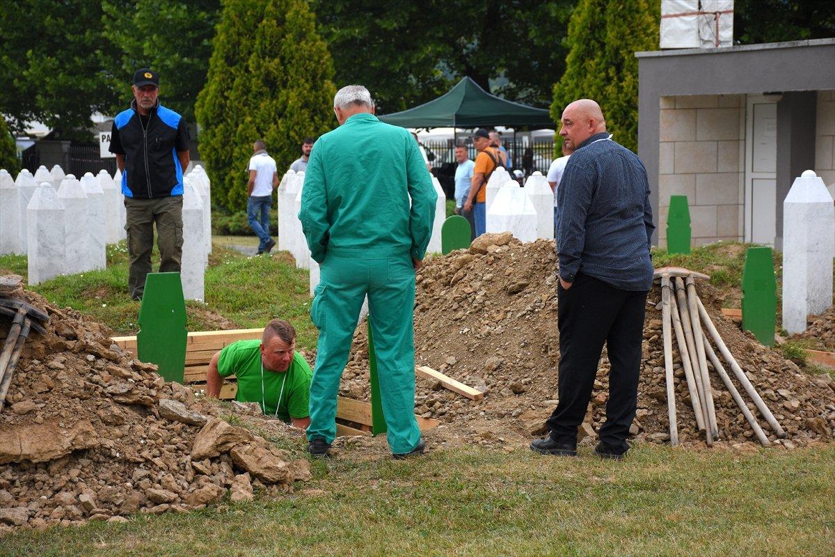 Srebrenitsa da 19 soykırım kurbanı daha defnedildi #2