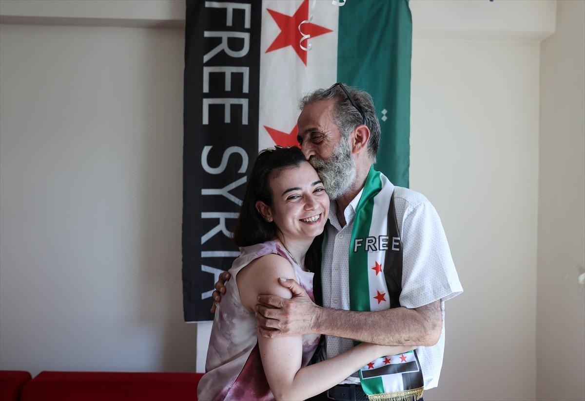 Suriyeli baba ile kızı 12 yıl aradan sonra İstanbul da kavuştu #3