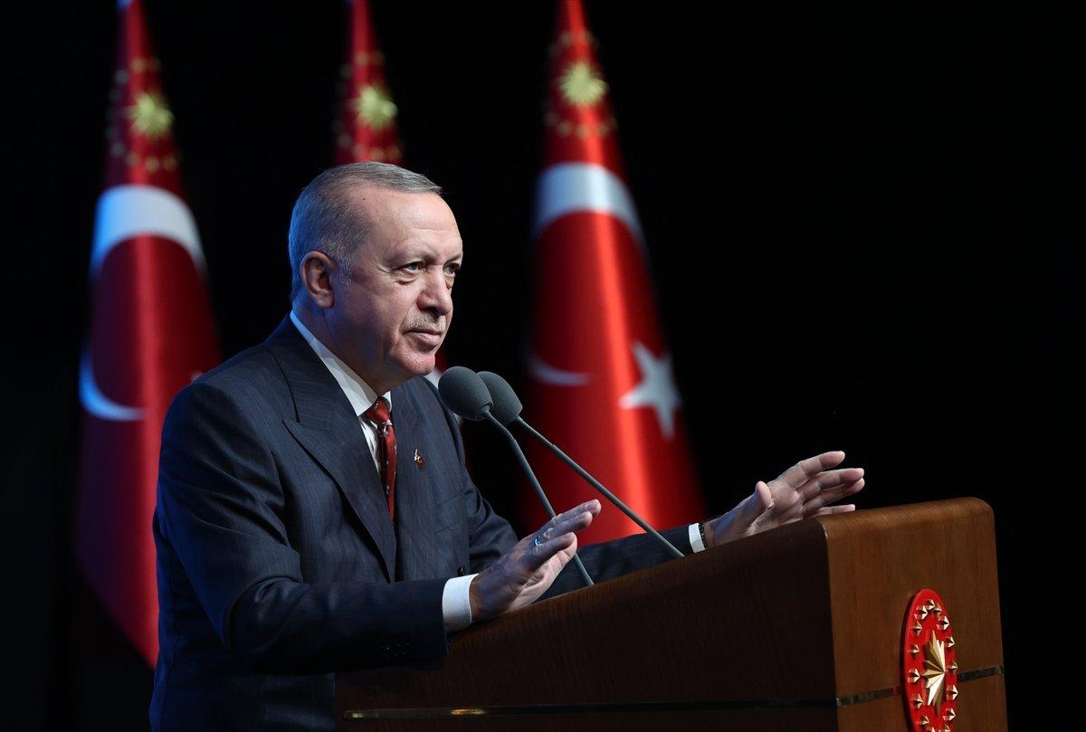 Cumhurbaşkanı Erdoğan,  Türkiye Gençlik Zirvesi  programına katıldı #1