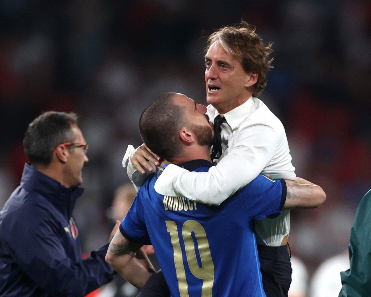 EURO 2020 kupası Roberto Mancini nin ellerinde #5