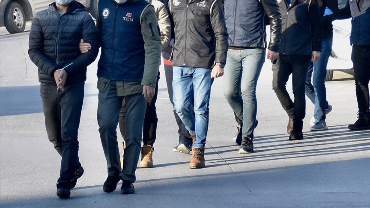 İzmir merkezli 47 ilde FETÖ operasyonu #1