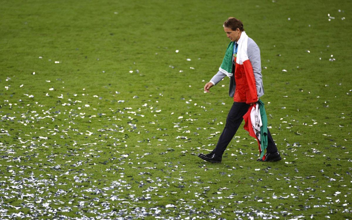 EURO 2020 kupası Roberto Mancini nin ellerinde #3