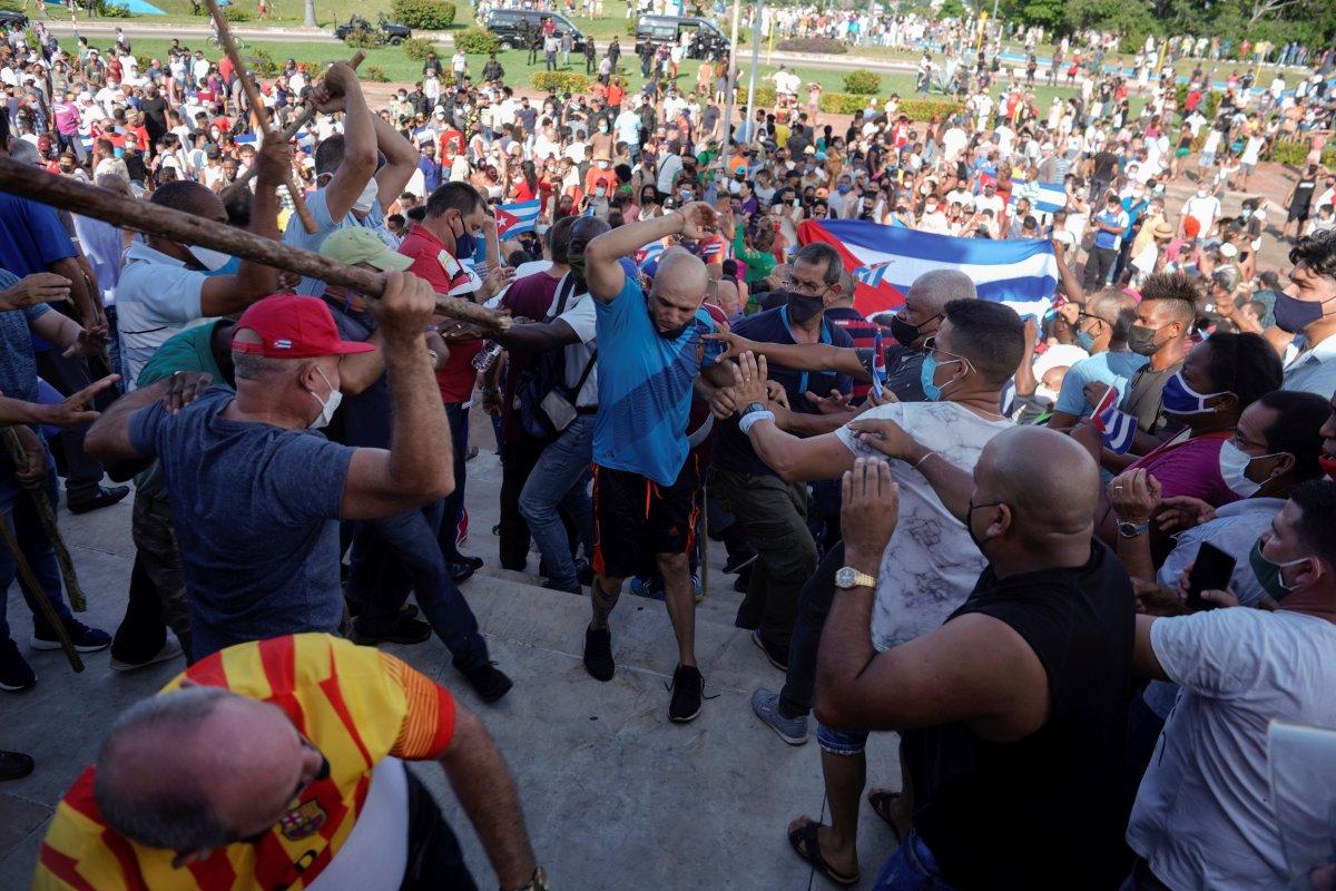 Küba yönetimi: Devrimi teslim etmeyeceğiz #10
