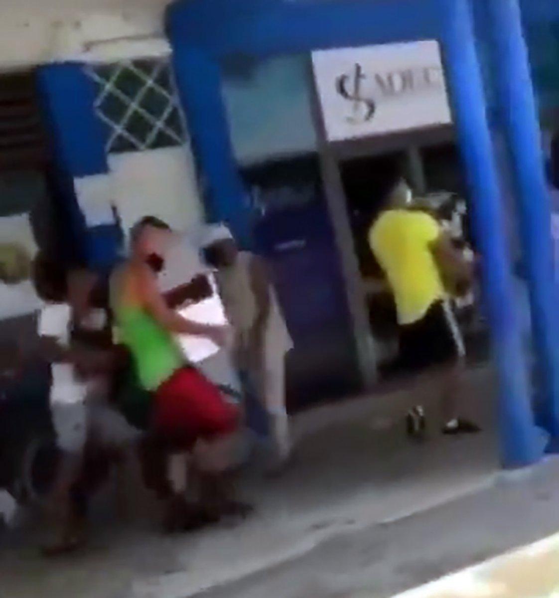 Küba yönetimi: Devrimi teslim etmeyeceğiz #3