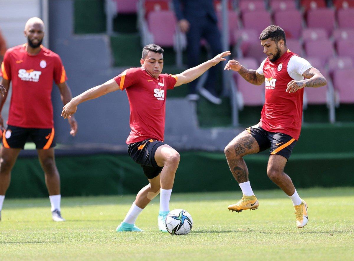 Galatasaray ın Olympiakos maçı kamp kadrosu belli oldu #1