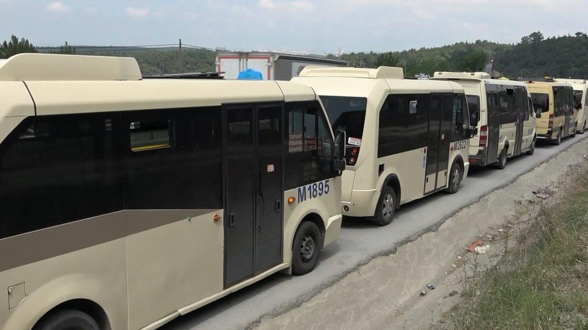 İstanbul da minibüsçülerden  kahyalık sistemine  karşı eylem  #1