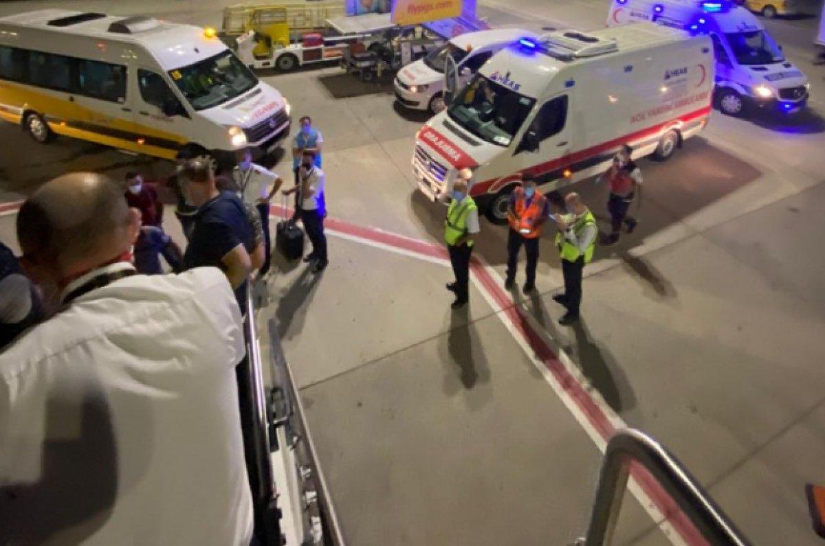 İstanbul-Trabzon seferinde gergin anlar: Pilot uçağı kaldırmadı #2