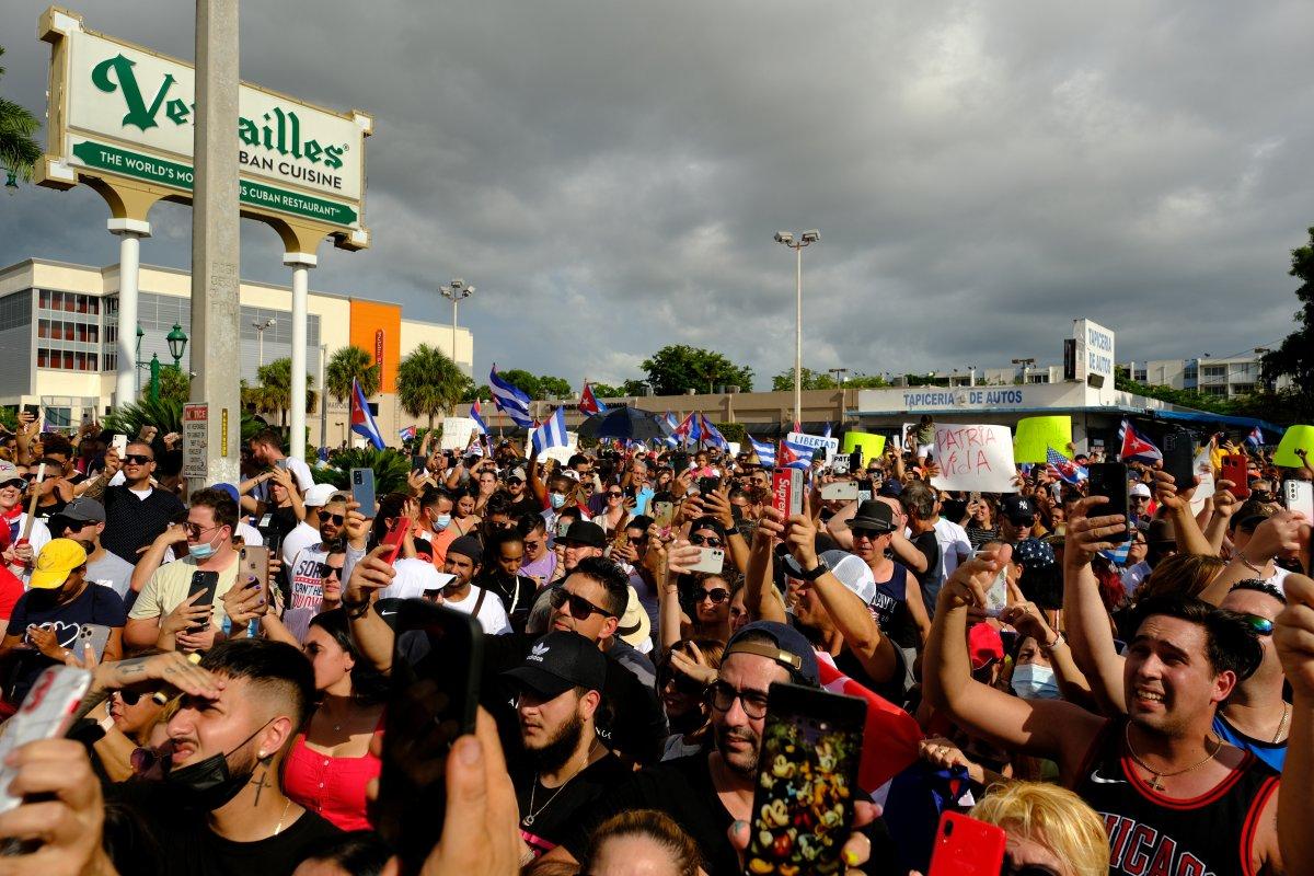 Küba da hükümeti protesto edenler gözaltına alındı #7